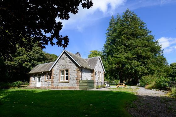 kirkennan lodge dog friendly self catering cottage in scotland