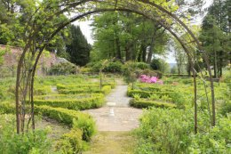 kirkennan walled garden paths