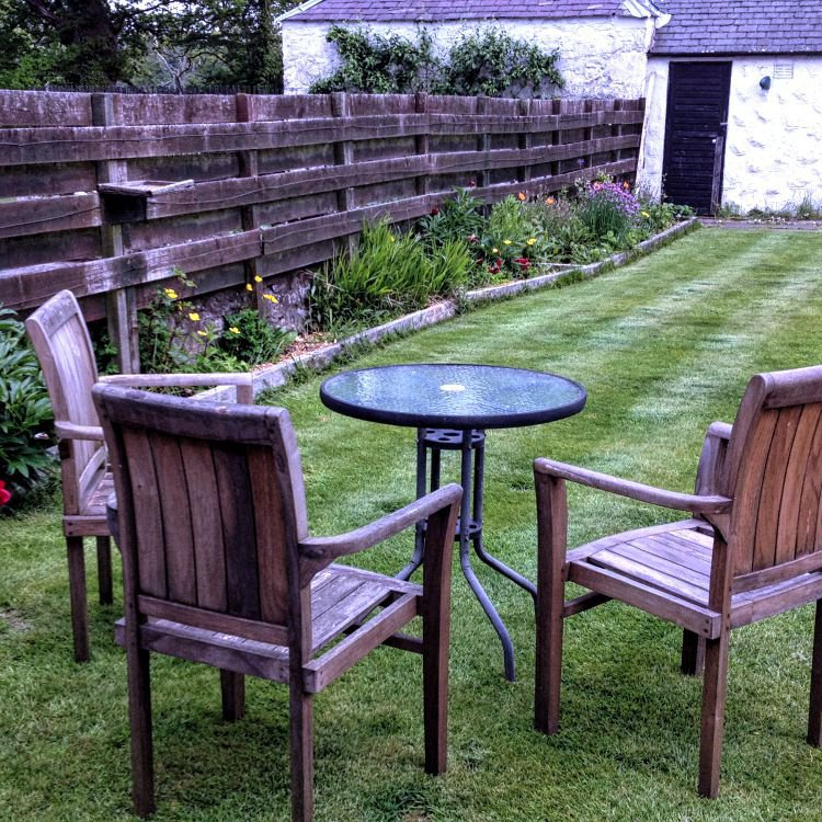 The enclosed rear garden is great for sitting out, dogs are welcome.